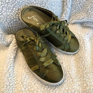 Free People Shoes In Green - Size 36